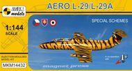 Aero L-29A 'Akrobat a speciální schémata' - model 1:144