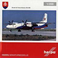 Antonov AN-24V Vzdušné sily Slovenskej republiky, model 1/200 + brožúra